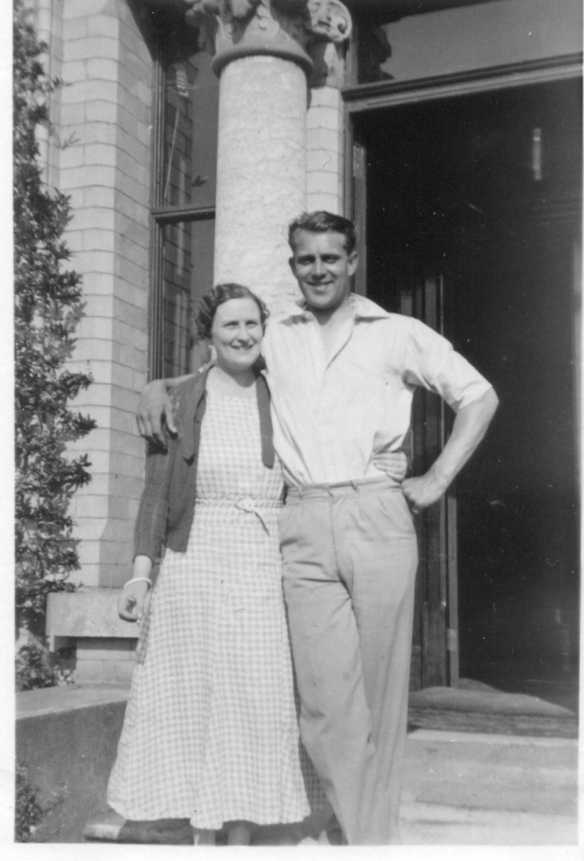 Bill Hoffman and Daisy in 1935
